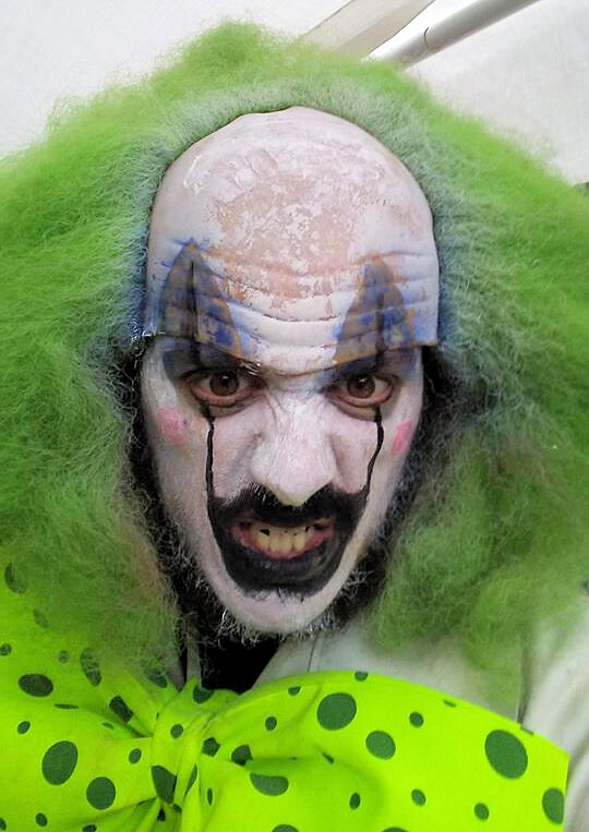 Bryan Oates clown Team Leader Skelegore Haunted House Reviewer New York